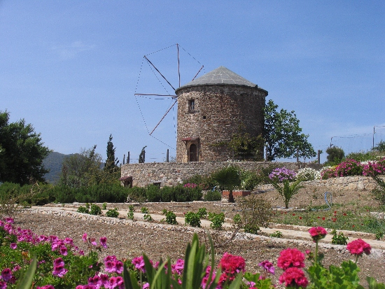 Explore Datca peninsula with your rental car %>